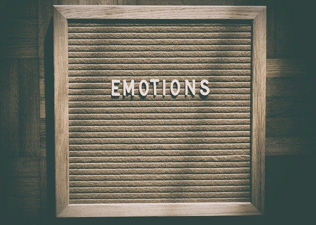 emocje-jedzenie-emocjonalne